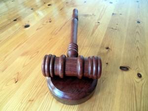 Cuatro características corresponden al Juez.