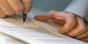 La diferencia entre un documento privado y un documento público. (contrato)